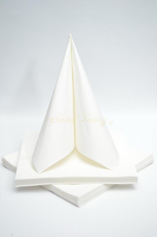 Dekorace na stůl - Třívrstvé ubrousky - bílá