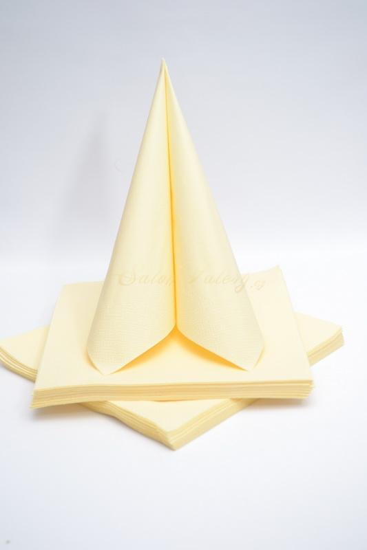 Dekorace na stůl - Třívrstvé ubrousky - krémová