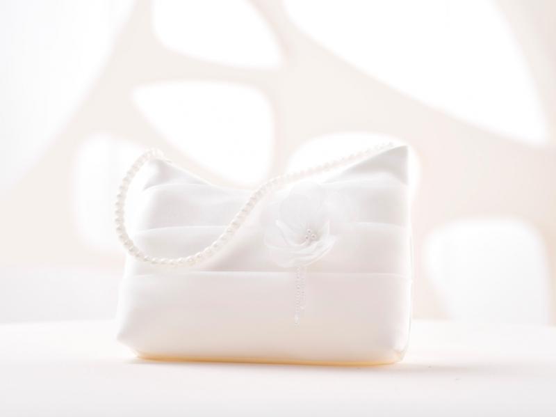 Doplňky pro nevěstu - Svatební kabelka s květinkou