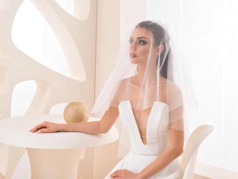 Doplňky pro nevěstu - Svatební závoj z třpytivého tylu