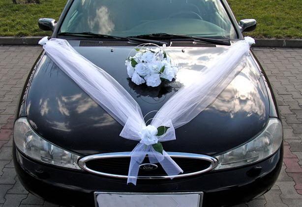 Svatební dekorace na auto - Výzdoba na auto kytice