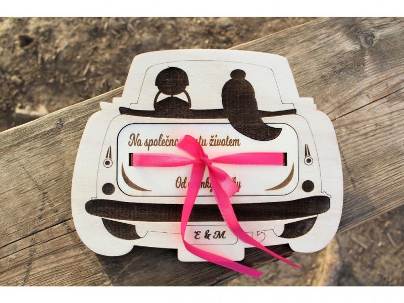 """Dary pro novomanžele - """"Obálka"""" na peníze auto"""