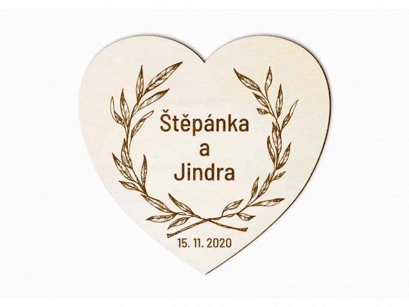 Dárky pro svatebčany - Svatební magnet srdce s věncem