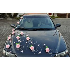 Výzdoba auta růžičky s listy