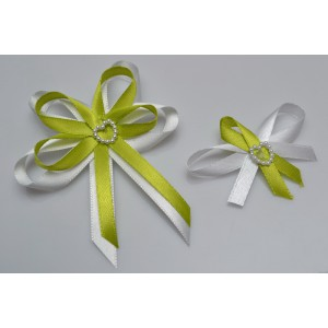 Svatební vývazek s perleťovým srdíčkem - světle zelená