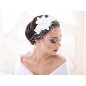 Svatební čelenka s květinou